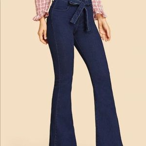 Bow and flare jeans